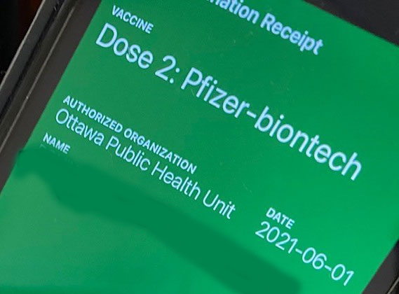 How to create a vaccination receipt for your smartphone.
